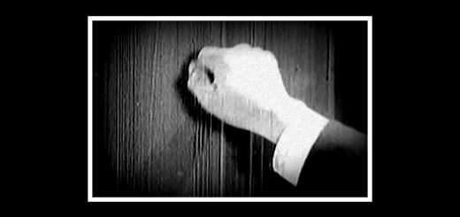 Hand Knocking Border