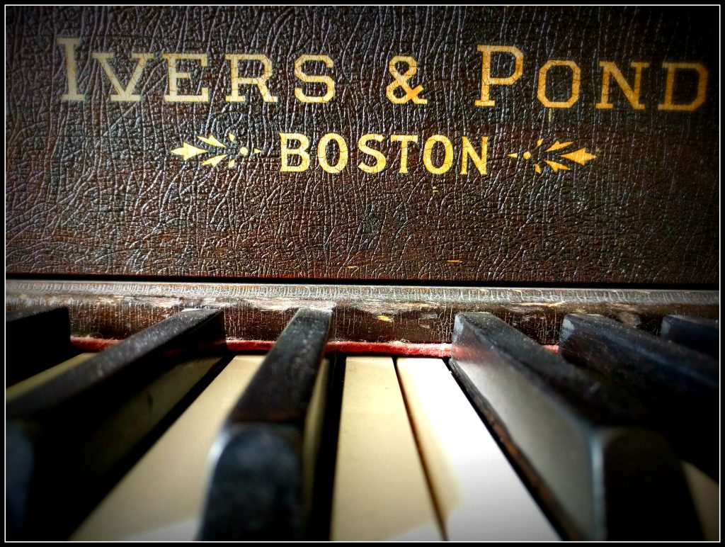 Piano Border