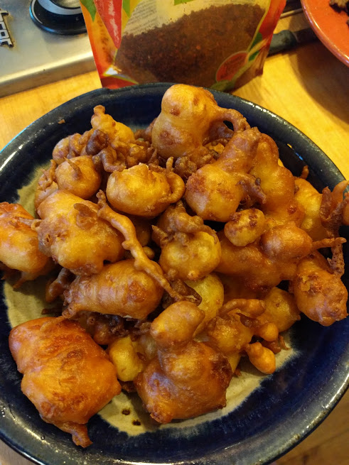 If the Turkish pals know they love squeaky fresh cheese curds, the least an Uncle Byron can do is fry some up and blow all the minds with this new variation.